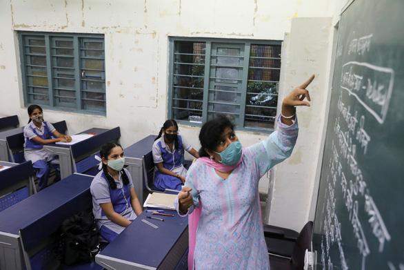 Ấn Độ tiêm vắc xin COVID-19 công nghệ DNA cho thiếu niên - Ảnh 1.