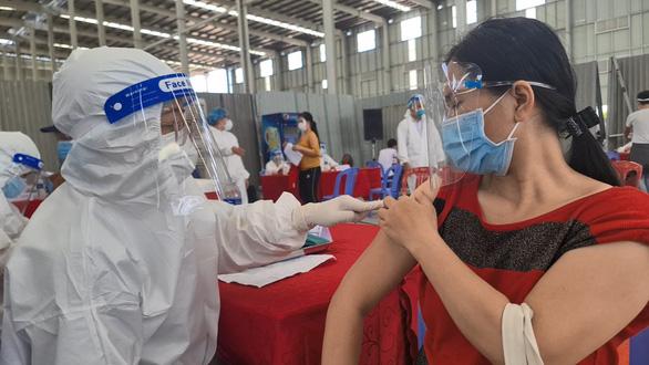 Bình Dương bắt đầu triển khai tiêm 1 triệu liều vắc xin Sinopharm từ ngày mai - Ảnh 1.