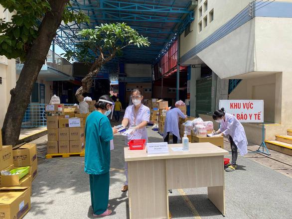Bệnh viện Nhi đồng 1 sẵn sàng bàn giao 100.000 túi thuốc điều trị F0 tại nhà - Ảnh 4.