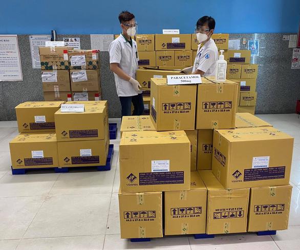 Bệnh viện Nhi đồng 1 sẵn sàng bàn giao 100.000 túi thuốc điều trị F0 tại nhà - Ảnh 1.