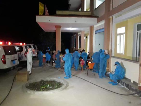 Quảng Bình kích hoạt tổng lực bệnh viện và khu cách ly tập trung do số ca nhiễm tăng cao - Ảnh 1.