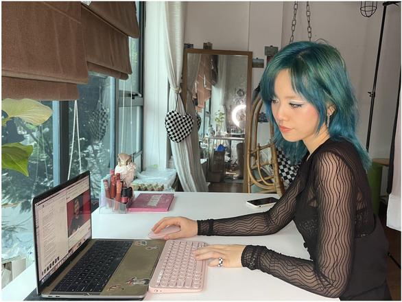 Makeup Artist Yến Jii mách bạn bí quyết vui, đẹp, hiệu quả - Ảnh 1.