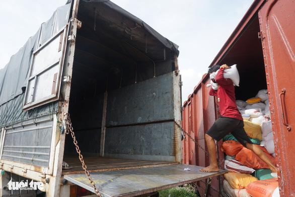 180 tấn nông sản tỉnh Bắc Kạn gửi tặng đã vào đến TP.HCM - Ảnh 1.