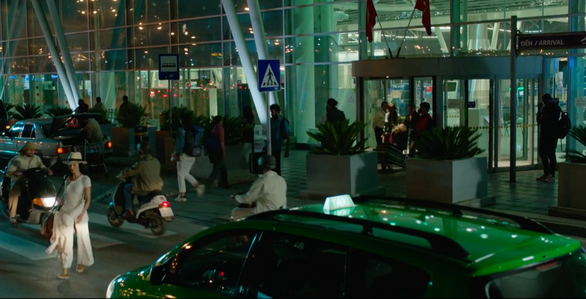Cầu Rồng, Đà Nẵng xuất hiện trong phim hành động Mỹ có đả nữ gốc Việt Maggie Q - Ảnh 4.
