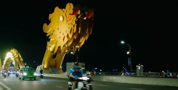 Cầu Rồng, Đà Nẵng xuất hiện trong phim hành động Mỹ có đả nữ gốc Việt Maggie Q - Ảnh 1.