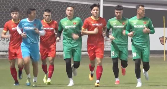 Vòng loại thứ 3 World Cup 2022 khu vực châu Á: Truyền lửa trên sân tập - Ảnh 1.