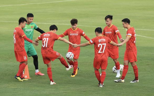 Mở màn vòng loại thứ 3 World Cup 2022, tuyển Việt Nam: Chuẩn bị vượt sa mạc Saudi Arabia - Ảnh 1.