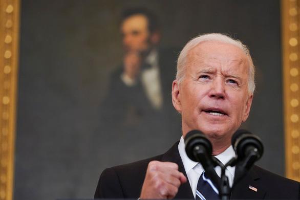 Tổng thống Biden: Không để người chưa tiêm khiến mọi người phải trả giá - Ảnh 1.