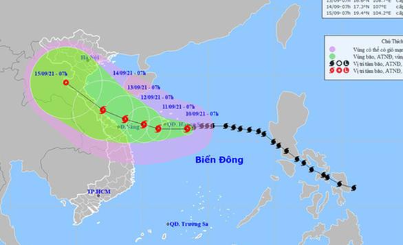 Bão số 5 còn tăng cấp, hướng vào vùng biển từ Quảng Trị đến Quảng Ngãi - Ảnh 1.