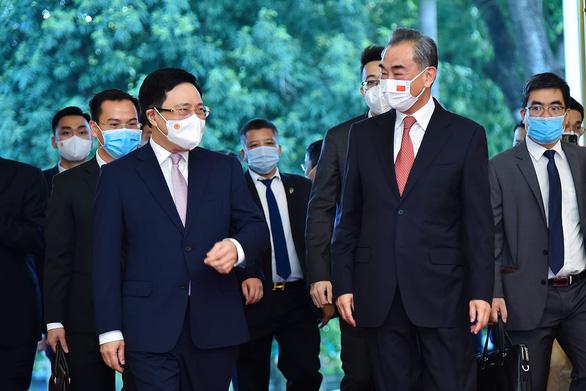 Trung Quốc viện trợ thêm 3 triệu liều vắc xin cho Việt Nam - Ảnh 1.