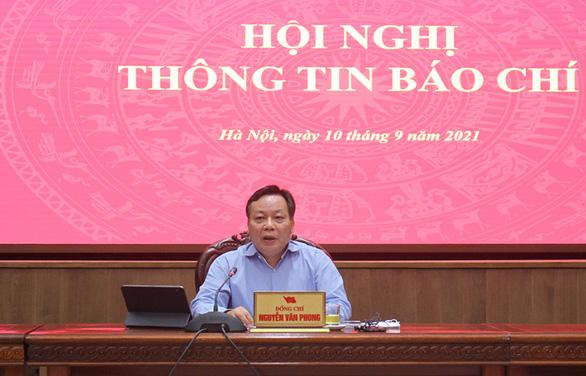Phó bí thư Thành ủy Hà Nội: Không thể giãn cách, phong tỏa mãi - Ảnh 1.