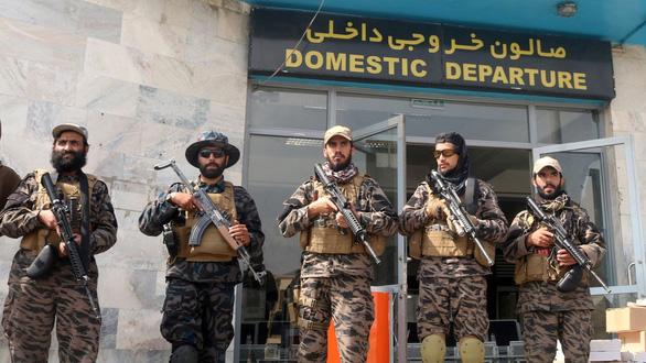 Tình báo Anh cảnh báo nguy cơ khủng bố sau diễn biến ở Afghanistan - Ảnh 1.