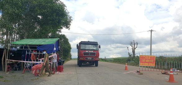 Phú Yên tiếp tục giãn cách xã hội theo chỉ thị 15, 16 - Ảnh 1.