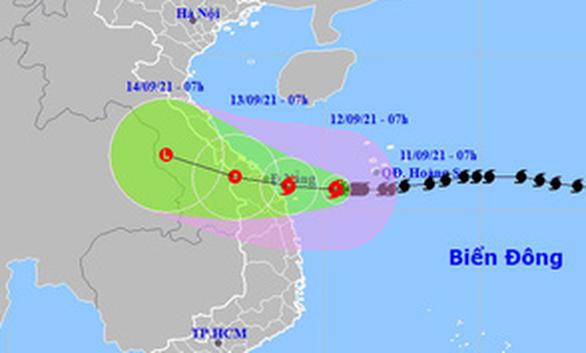 Bão số 5 hướng vào Quảng Trị - Quảng Nam, Đà Nẵng có thể mưa cực lớn trên 350mm - Ảnh 1.
