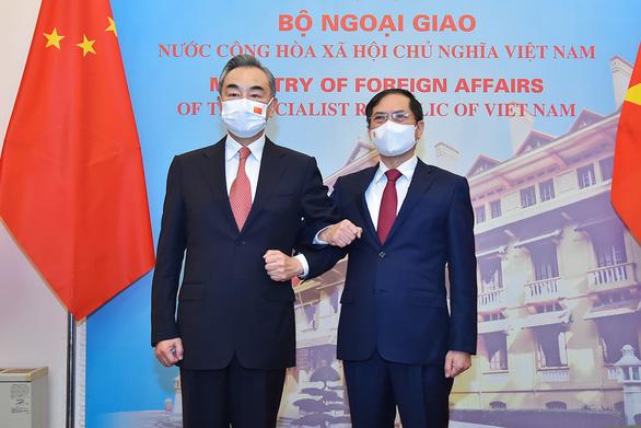 Việt Nam và Trung Quốc nhất trí kiểm soát bất đồng, duy trì hòa bình Biển Đông - Ảnh 1.