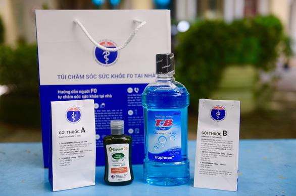 Túi thuốc an sinh - túi thuốc hy vọng cho hàng trăm ngàn F0 điều trị tại nhà - Ảnh 1.