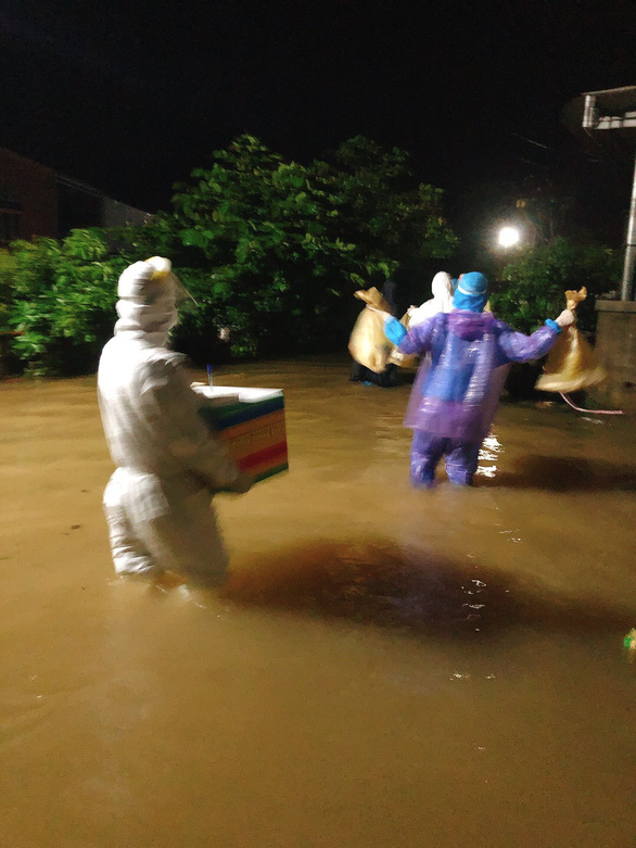 37 người đi rừng mất liên lạc trong bão, rút toàn bộ công nhân thủy điện Rào Trăng 3 - Ảnh 1.