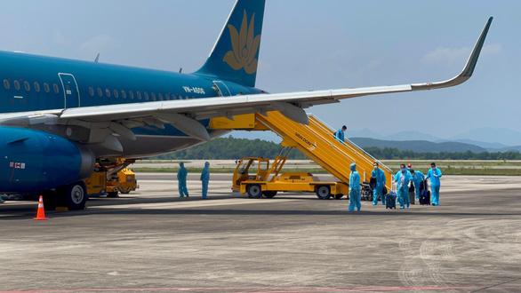 350 khách từ Mỹ về Việt Nam được cách ly thí điểm 7 ngày - Ảnh 1.