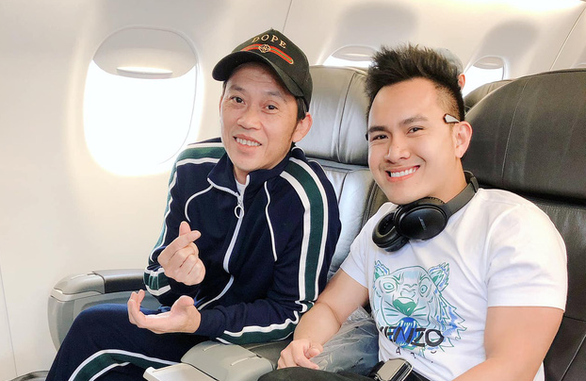Con trai Hoài Linh phủ nhận danh hài này đã bay qua Mỹ - Ảnh 2.
