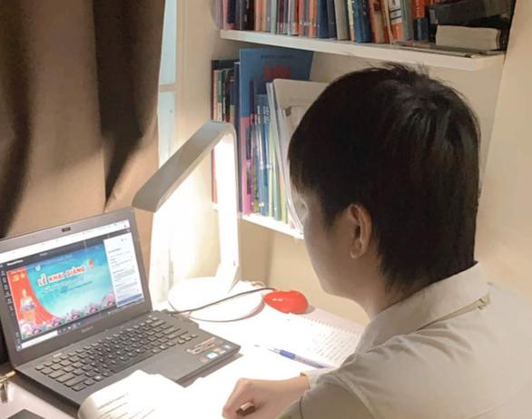 Sẽ ban hành cẩm nang dạy học trực tuyến, bài giảng mẫu trên truyền hình - Ảnh 1.