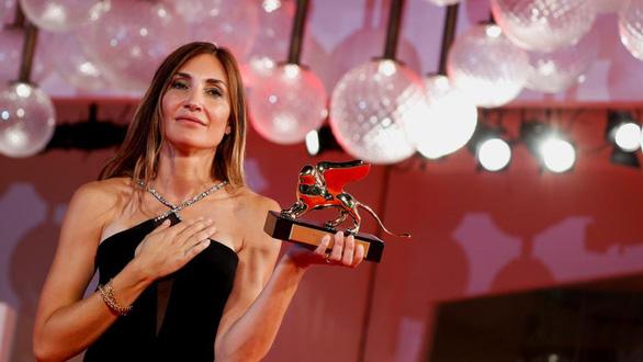 Phim về trải nghiệm phá thai đau đớn giành Sư tử vàng tại Liên hoan phim Venice - Ảnh 1.