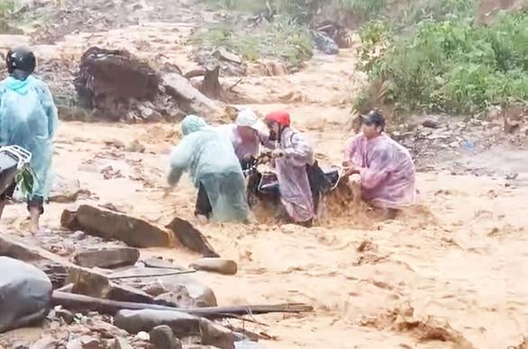 Mạo danh chủ tịch huyện nhắn tin ông Đoàn Ngọc Hải xin gạo cứu trợ mưa bão - Ảnh 1.