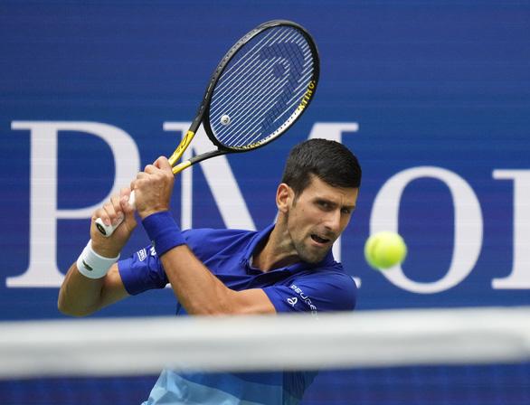 Thua trắng Medvedev, Djokovic chưa thể vượt mặt Federer và Nadal - Ảnh 3.