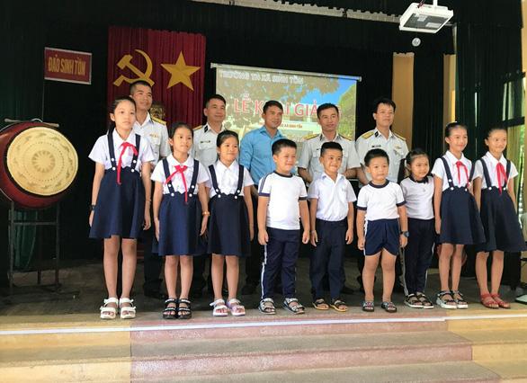 3 trường ở huyện đảo Trường Sa khai giảng năm học mới - Ảnh 2.