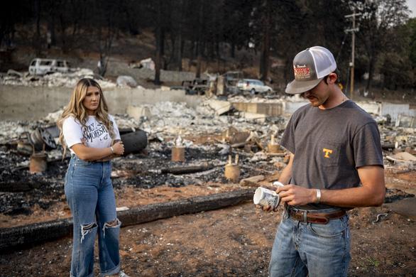 California kích hoạt luật thời chiến để ứng phó cháy rừng - Ảnh 2.
