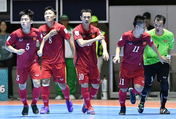 Hạn chế bàn thua trước Brazil để duy trì cơ hội vào vòng trong - Ảnh 2.