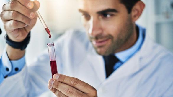 Anh thử phương pháp xét nghiệm giúp phát hiện sớm 50 loại ung thư - Ảnh 1.