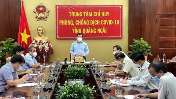 Quảng Ngãi trả phí máy bay đưa 200 bà bầu từ các tỉnh phía Nam về quê - Ảnh 1.