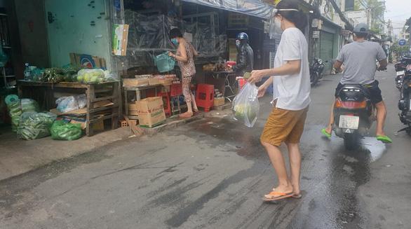 Cước giao hàng nhiều khi cao hơn giá hàng, khách đổ sang mua bán chui - Ảnh 5.