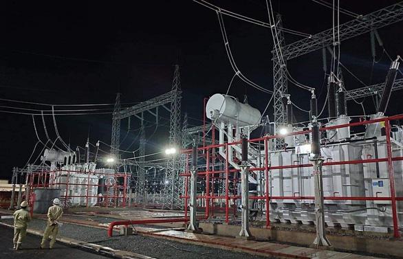 Hoàn thành, đóng điện trạm biến áp 220kV Lao Bảo - Ảnh 1.