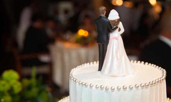 Giữ chân nhân tài bằng cách hỗ trợ sinh viên kết hôn gây tranh cãi ở Trung Quốc - Ảnh 1.