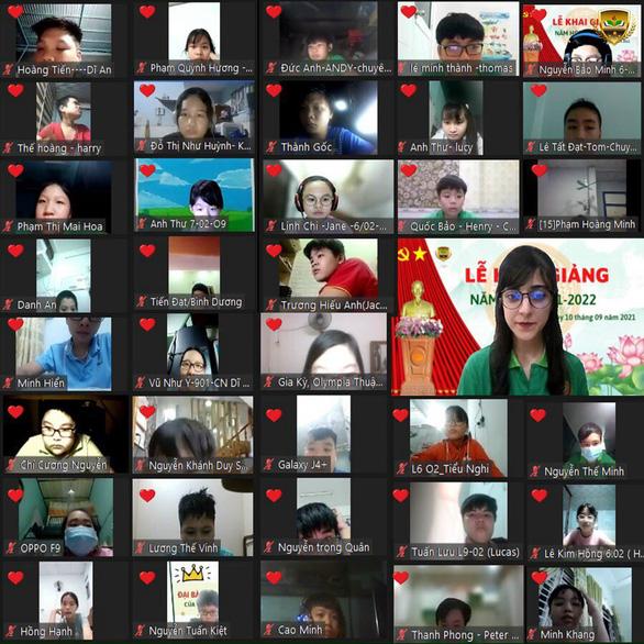 500.000 học sinh Bình Dương nhập học trực tuyến, 150.000 học sinh Hà Tĩnh trở lại trường học - Ảnh 1.