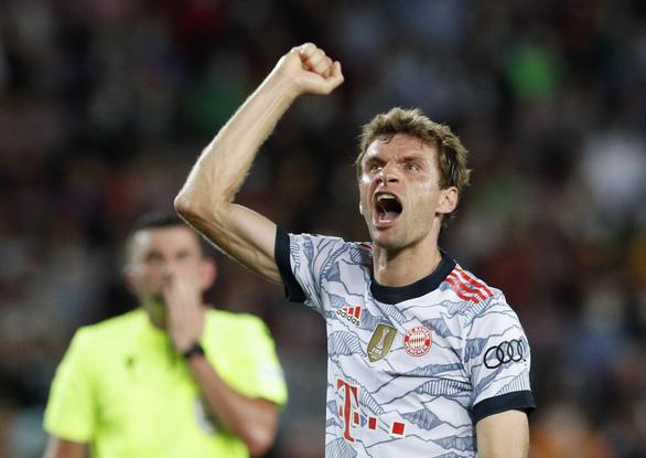 Lewandowski  lập cú đúp, Bayern Munich đè bẹp Barca ngay tại Nou Camp - Ảnh 1.