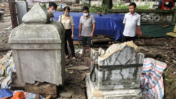 Tu bổ chùa Thổ Hà làm vỡ bia đá cổ 342 năm: Yêu cầu đặt lại vị trí cũ, rà soát toàn bộ - Ảnh 1.