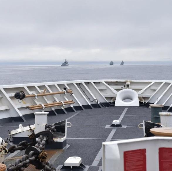 Tàu chiến Trung Quốc tới tận ngoài khơi Alaska của Mỹ - Ảnh 1.