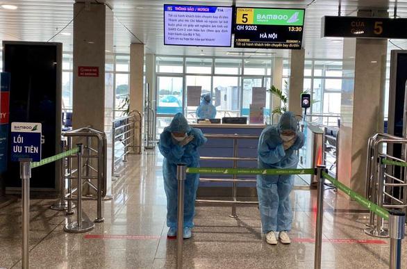 Bamboo Airways bay chuyên cơ khứ hồi chở y bác sĩ vào miền Nam chống dịch - Ảnh 5.