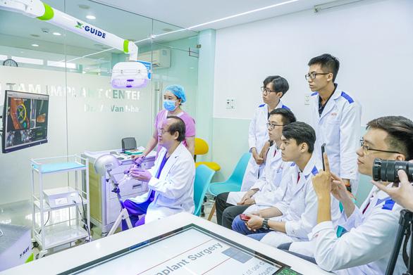 Nhiều trường ĐH công bố điểm chuẩn: ĐH Luật, Bách khoa TP.HCM, ĐH Quốc gia Hà Nội... - Ảnh 23.