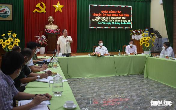 Bị Thủ tướng 'điểm danh' lúc nửa đêm, An Giang họp khẩn cấp với 4 huyện, thành phố - Ảnh 1.