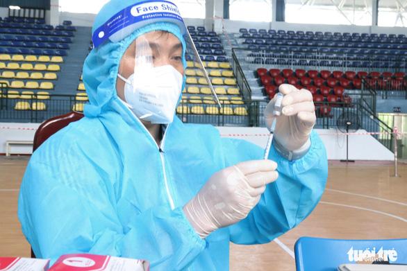 TP.HCM tiếp tục cho tiêm vét vắc xin mũi 1 sau ngày 15-9 - Ảnh 1.