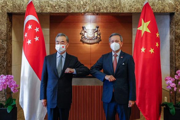Ngoại trưởng Singapore nói cạnh tranh Mỹ - Trung gây bất an, ông Vương Nghị nói gì? - Ảnh 1.