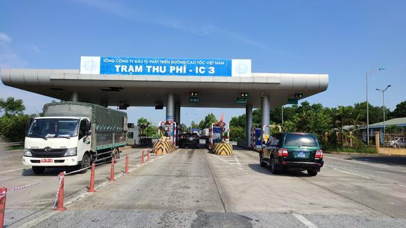 VEC khẳng định không chặn đường cao tốc, gom xe để tận thu phí - Ảnh 1.