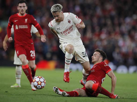Salah đá hỏng phạt đền rồi ghi bàn, Liverpool đánh bại AC Milan - Ảnh 3.