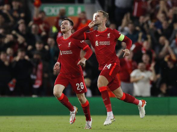 Salah đá hỏng phạt đền rồi ghi bàn, Liverpool đánh bại AC Milan - Ảnh 1.