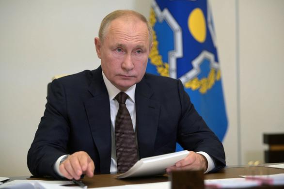 Tổng thống Nga Putin xác nhận hàng chục người trong đoàn tùy tùng nhiễm COVID-19 - Ảnh 1.