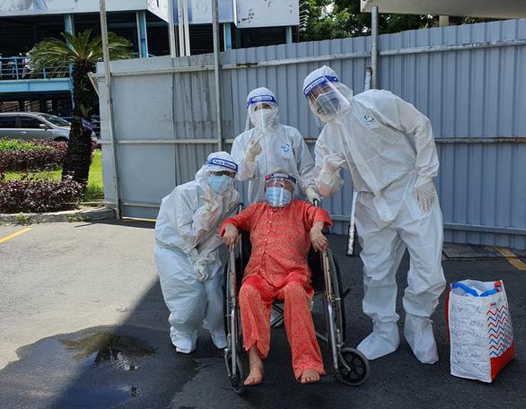 TP.HCM: Cụ bà 110 tuổi hồi sinh ngoạn mục sau 9 ngày điều trị COVID-19 - Ảnh 1.