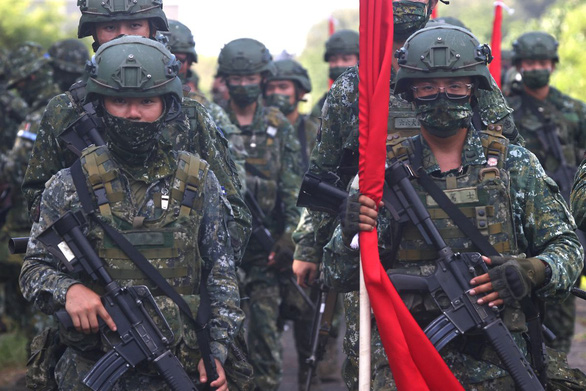 Đài Loan đề xuất chi gần 9 tỉ USD cho quân sự để đối phó Trung Quốc - Ảnh 1.